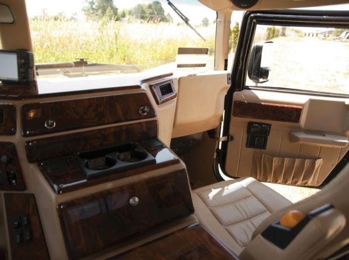 L'Hummer H1 del rapper Tupac sarà in vendita a 100.000 dollari - Foto 17 di 18