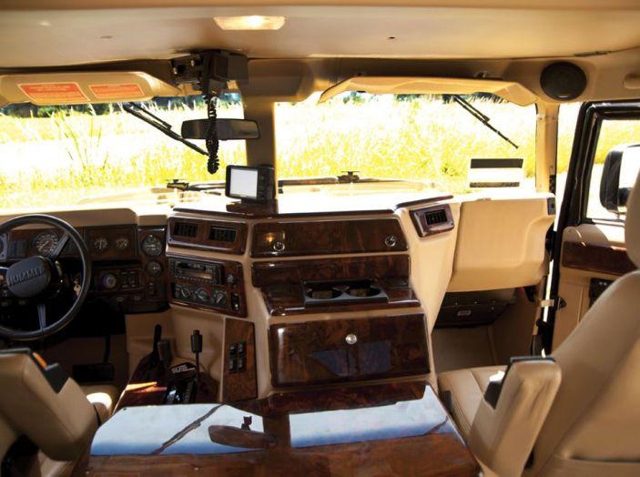L'Hummer H1 del rapper Tupac sarà in vendita a 100.000 dollari - Foto 18 di 18