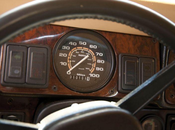 L'Hummer H1 del rapper Tupac sarà in vendita a 100.000 dollari - Foto 9 di 18