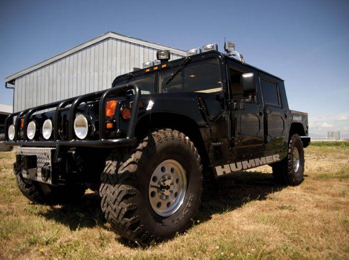 L'Hummer H1 del rapper Tupac sarà in vendita a 100.000 dollari - Foto 2 di 18