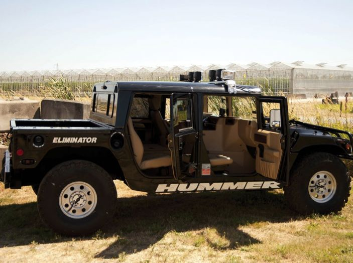 L'Hummer H1 del rapper Tupac sarà in vendita a 100.000 dollari - Foto 3 di 18