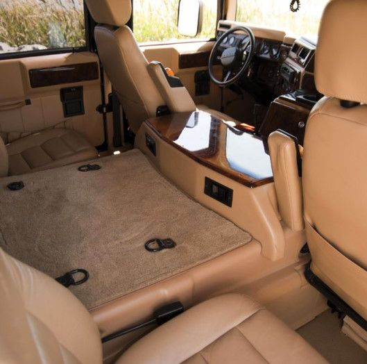 L'Hummer H1 del rapper Tupac sarà in vendita a 100.000 dollari - Foto 14 di 18