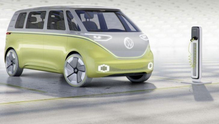 Volkswagen presenta I.D. BUZZ: il leggendario furgoncino hippie anni '70 torna tra noi - Foto 8 di 10