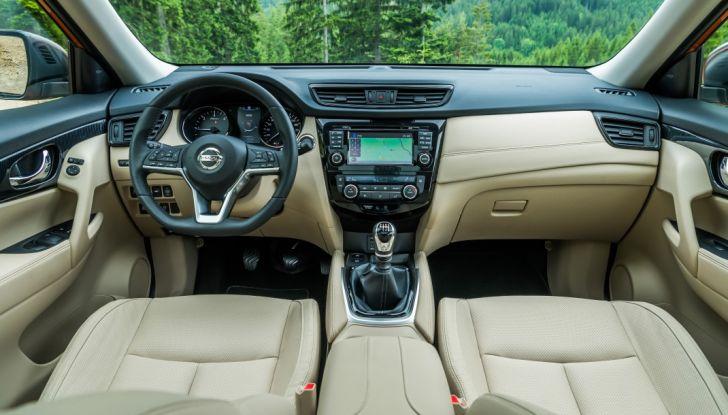 Nissan X-Trail 2018: Prova su strada, opinioni e dati tecnici del SUV 5 o 7 posti - Foto 26 di 36