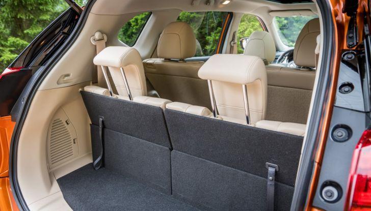 Nissan X-Trail 2018: Prova su strada, opinioni e dati tecnici del SUV 5 o 7 posti - Foto 33 di 36