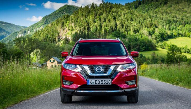 Nissan X-Trail 2018: Prova su strada, opinioni e dati tecnici del SUV 5 o 7 posti - Foto 10 di 36