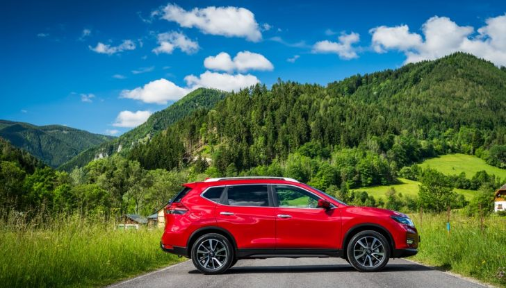 Nissan X-Trail 2018: Prova su strada, opinioni e dati tecnici del SUV 5 o 7 posti - Foto 12 di 36
