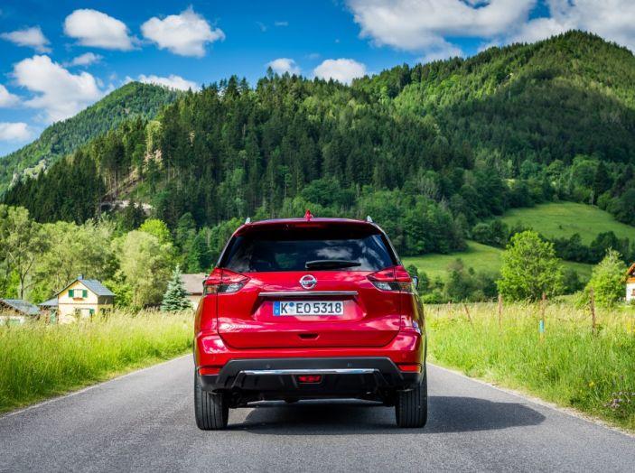 Nissan X-Trail 2018: Prova su strada, opinioni e dati tecnici del SUV 5 o 7 posti - Foto 13 di 36