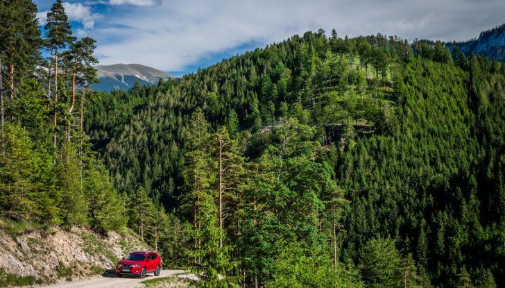 Nissan X-Trail 2018: Prova su strada, opinioni e dati tecnici del SUV 5 o 7 posti - Foto 18 di 36