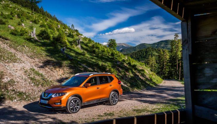 Nissan X-Trail 2018: Prova su strada, opinioni e dati tecnici del SUV 5 o 7 posti - Foto 20 di 36