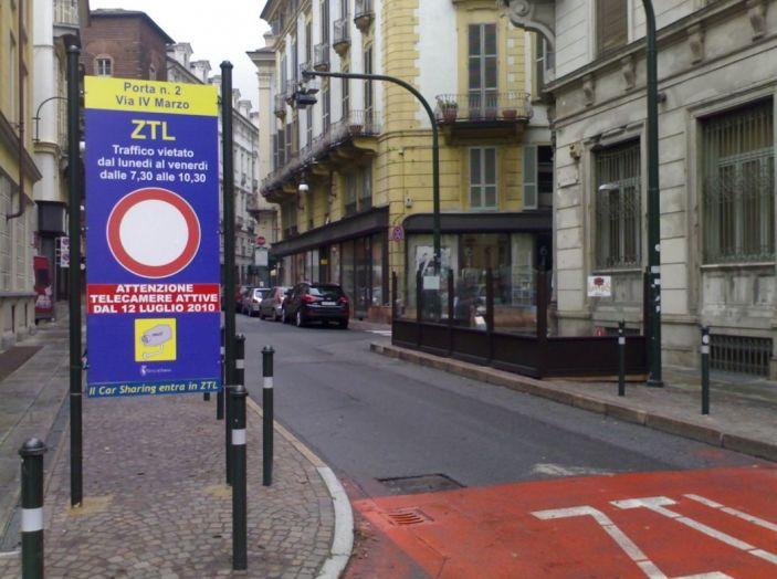 Strisce blu e ZTL: a Torino si paga in base al reddito - Foto 6 di 9