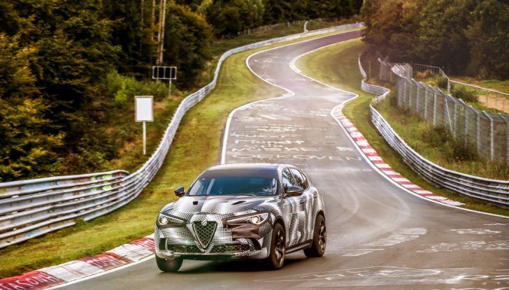 Alfa Romeo Stelvio Quadrifoglio, il SUV più veloce al mondo sul Nurburgring [Video] - Foto 13 di 14