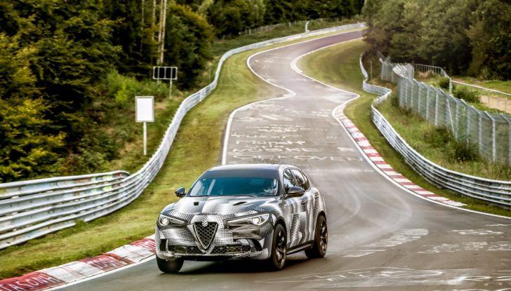 Record di Alfa Romeo Stelvio Quadrifoglio in quattro circuiti inglesi - Foto 2 di 14