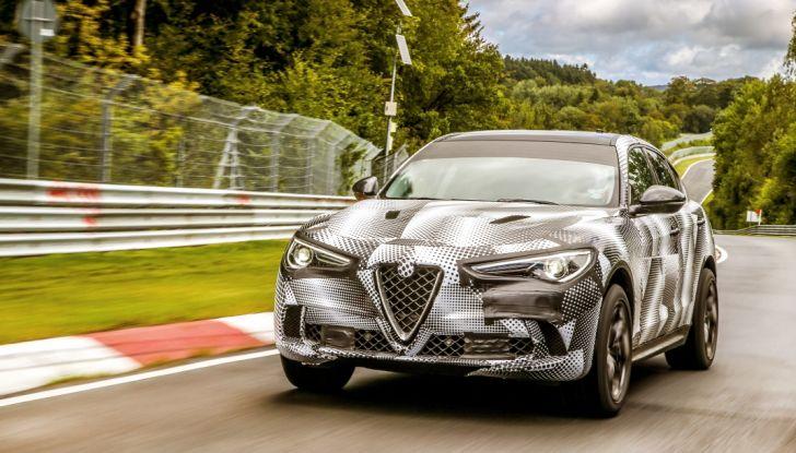 Record di Alfa Romeo Stelvio Quadrifoglio in quattro circuiti inglesi - Foto 1 di 14