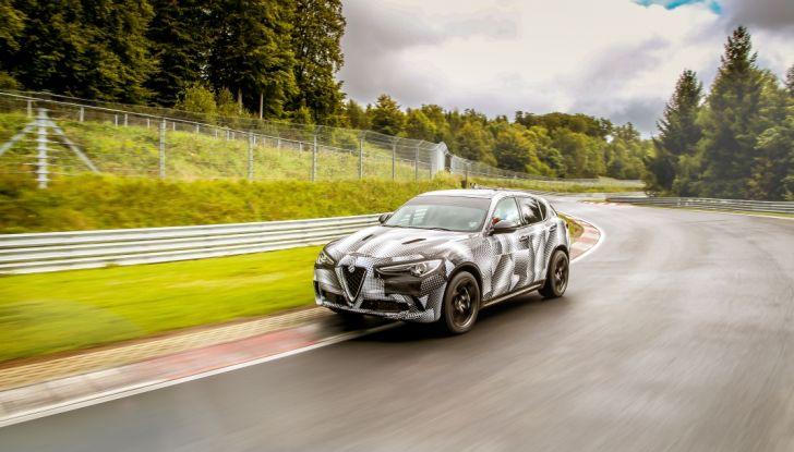 Record di Alfa Romeo Stelvio Quadrifoglio in quattro circuiti inglesi - Foto 5 di 14