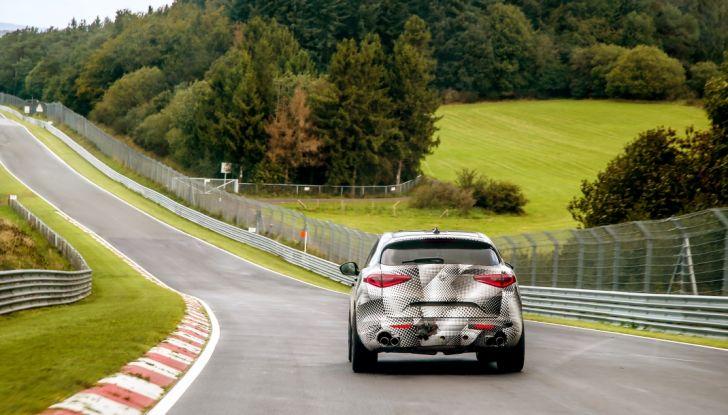 Alfa Romeo Stelvio Quadrifoglio, il SUV più veloce al mondo sul Nurburgring [Video] - Foto 6 di 14