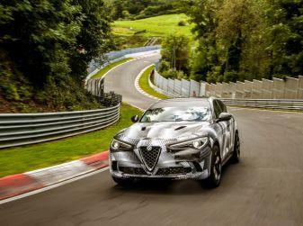 Alfa Romeo Stelvio Quadrifoglio, il SUV più veloce al mondo sul Nurburgring [Video]