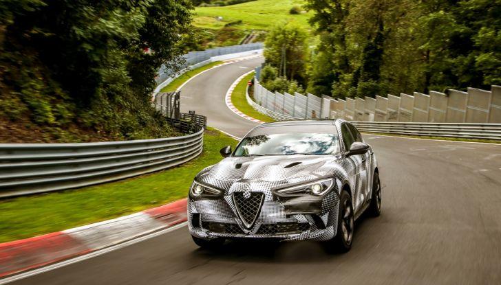 Alfa Romeo Stelvio Quadrifoglio, il SUV più veloce al mondo sul Nurburgring [Video] - Foto 7 di 14
