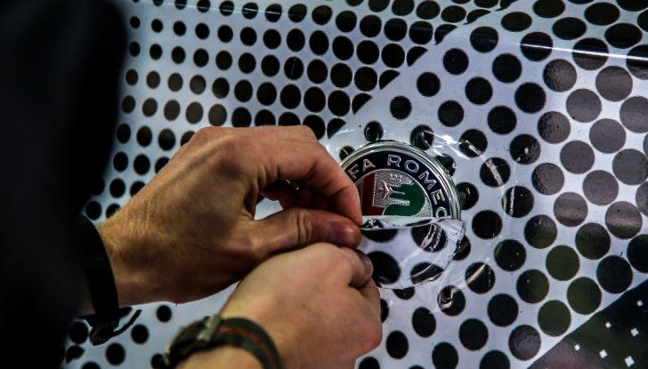 Alfa Romeo Stelvio Quadrifoglio, il SUV più veloce al mondo sul Nurburgring [Video] - Foto 12 di 14