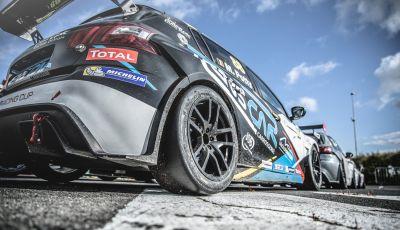 Magny Cours - Julien Briché porta a casa il titolo con la Peugeot 308 Racing Cup