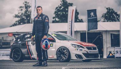 Julien Briché fresco vincitore del campionato francese con la Peugeot 308 Racing Cup