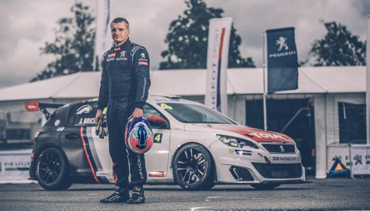 Julien Briché fresco vincitore del campionato francese con la Peugeot 308 Racing Cup - Foto 1 di 2