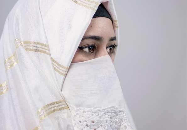 Arabia Saudita, da oggi le donne possono guidare per la fine del divieto - Foto 3 di 5