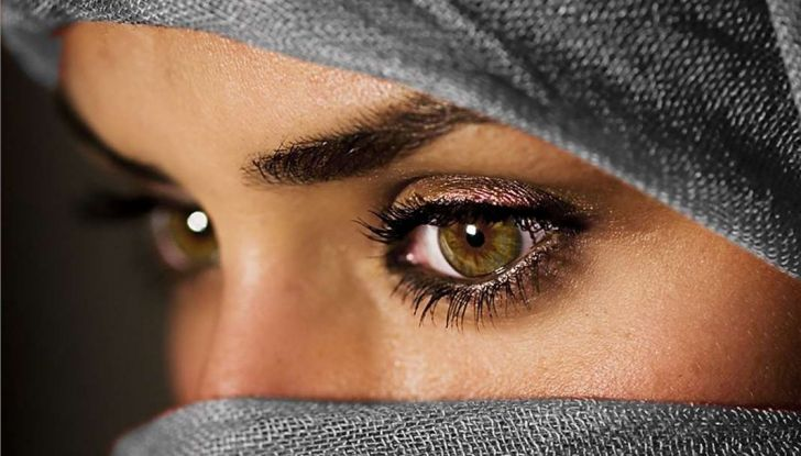 Arabia Saudita, da oggi le donne possono guidare per la fine del divieto - Foto 4 di 5