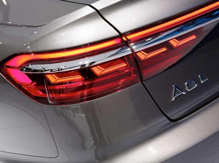 Nuova Audi A8 2017, l'ammiraglia con guida autonoma - Foto 12 di 13