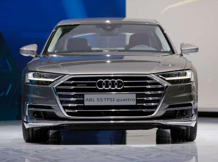 Nuova Audi A8 2017, l'ammiraglia con guida autonoma - Foto 13 di 13