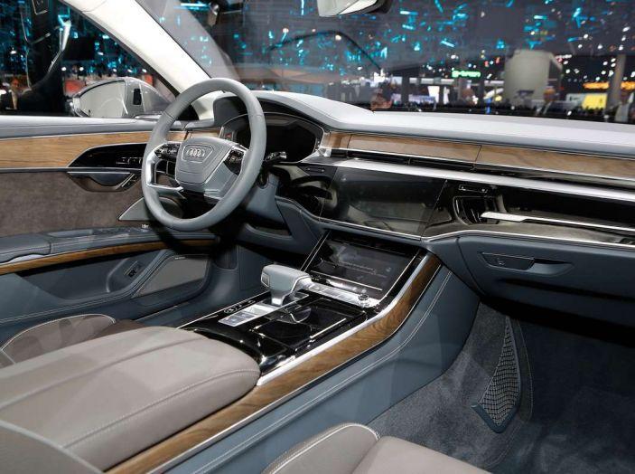 Nuova Audi A8 2017, l'ammiraglia con guida autonoma - Foto 10 di 13