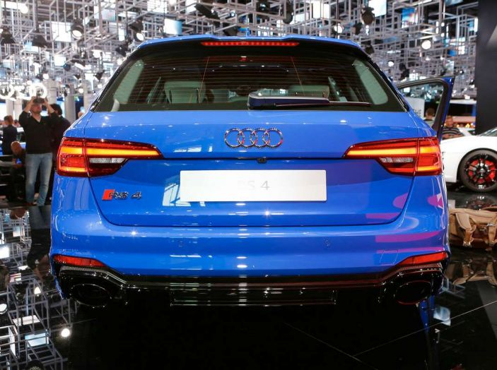 Audi RS4 Avant - Foto 10 di 13