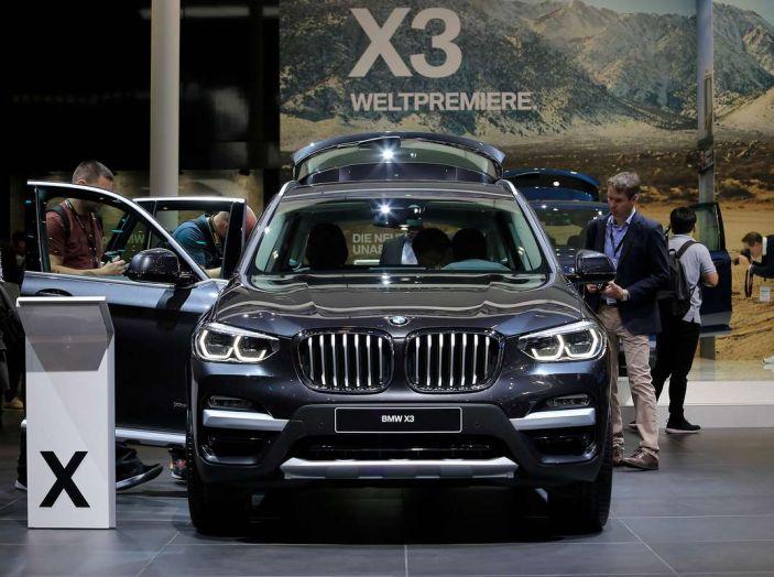 Nuova BMW X3 2017: nuovi motori e linee più decise - Foto 7 di 22