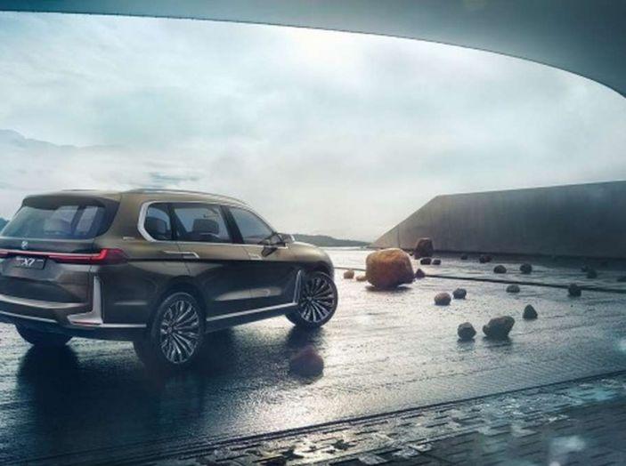 BMW X7 iPerformance, il SUV 7 posti a passo lungo - Foto 12 di 15