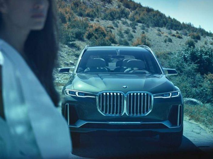 BMW X7 iPerformance, il SUV 7 posti a passo lungo - Foto 13 di 15