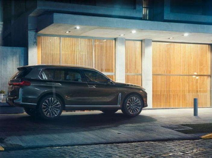 BMW X7 iPerformance, il SUV 7 posti a passo lungo - Foto 6 di 15