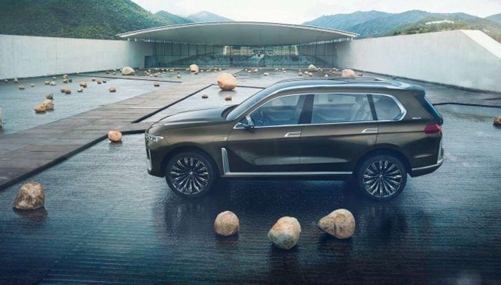 BMW X7 iPerformance, il SUV 7 posti a passo lungo - Foto 10 di 15