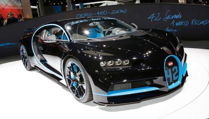Bugatti Chiron da record sul filo dei 400 km/h - Foto 1 di 7