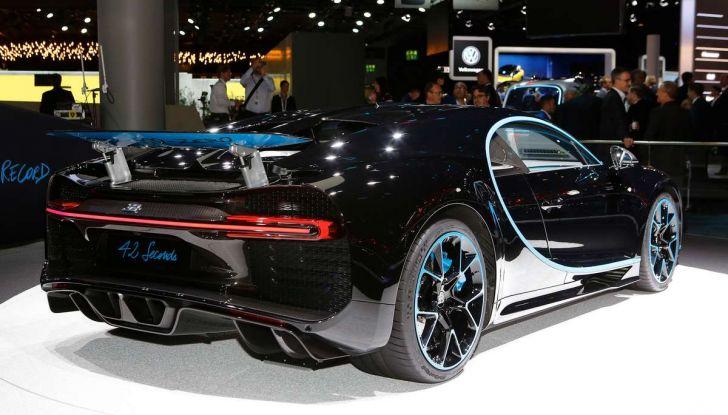 Bugatti Chiron da record sul filo dei 400 km/h - Foto 3 di 7