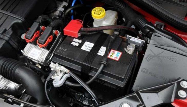 Come capire se la batteria auto è da cambiare - Foto 2 di 8