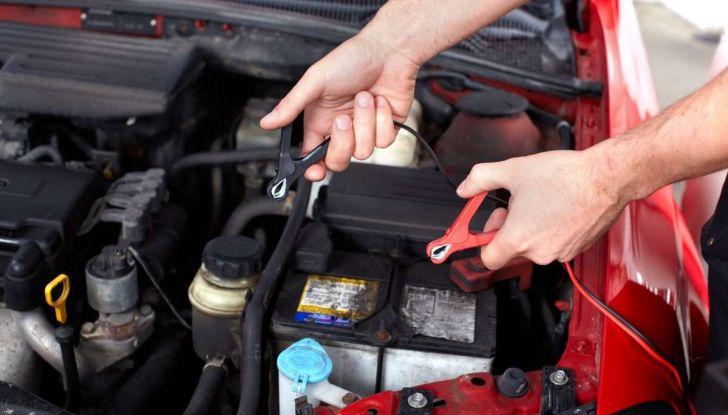 Come capire se la batteria auto è da cambiare - Foto 3 di 8