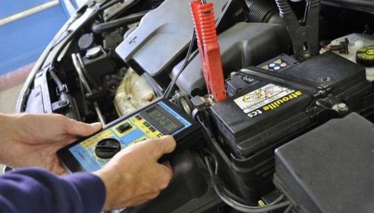 Come capire se la batteria auto è da cambiare - Foto 4 di 8
