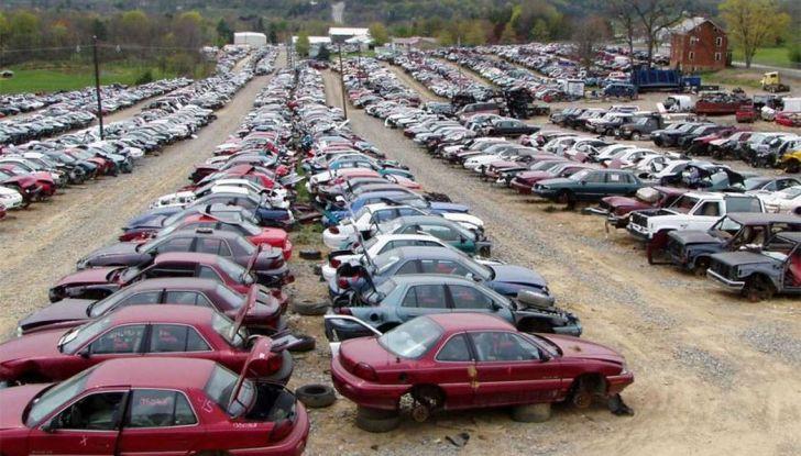 Demolire un'auto: cosa fare e come comportarsi - Foto 6 di 11