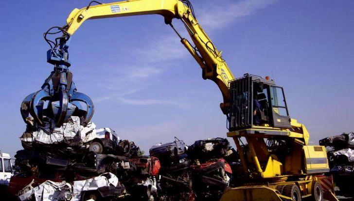 Demolire un'auto: cosa fare e come comportarsi - Foto 11 di 11