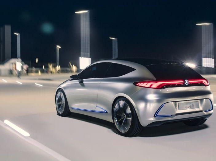 CEO Daimler: Le auto elettriche non si vendono, aspettiamo il 2030 - Foto 3 di 8