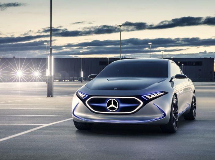 CEO Daimler: Le auto elettriche non si vendono, aspettiamo il 2030 - Foto 2 di 8