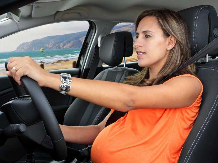 Donne incinte al volante: normativa e consigli - Foto 1 di 10