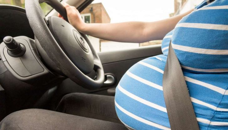 Donne incinte al volante: normativa e consigli - Foto 8 di 10