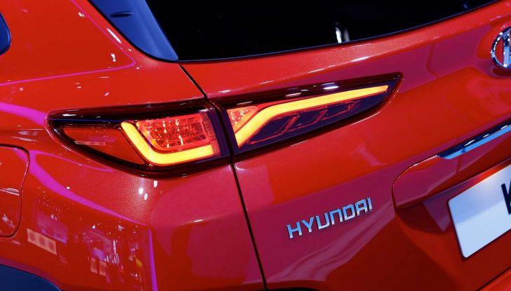 Hyundai Kona, dettagli e caratteristiche del nuovo SUV - Foto 13 di 20