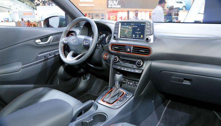 Hyundai Kona, dettagli e caratteristiche del nuovo SUV - Foto 18 di 20